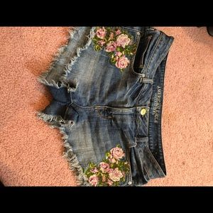 American Eagle Floral Shorts size 12